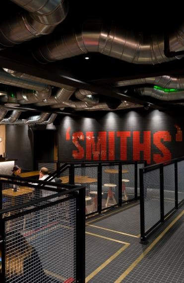 Smiths-Bar_02