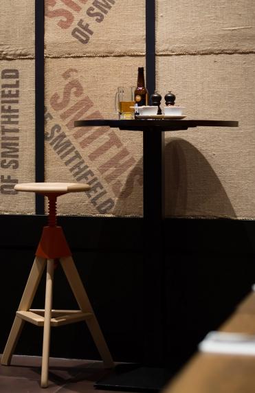 Smiths-Bar_05